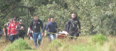 Encuentran cadáver de una mujer flotando en canal de aguas negras