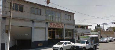 Pierde la vida un hombre en un baño público de Toluca