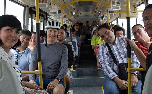 """""""Ticos"""" prueban por primera vez medios de transporte eléctricos"""
