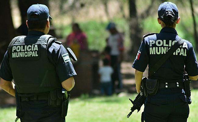 Policía enfrenta delincuencia, pero no a su pareja que le mandó dar golpiza