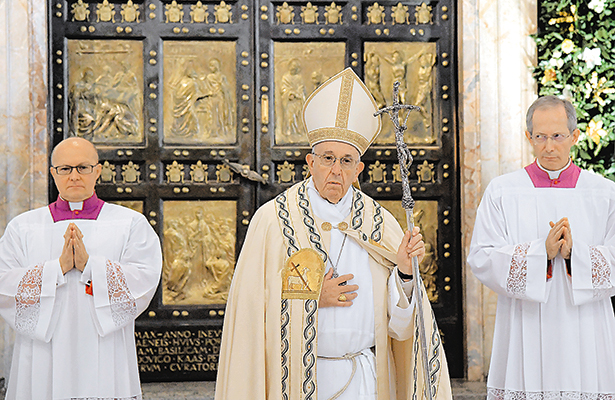 Convoca Francisco a mantener abierta la puerta del perdón