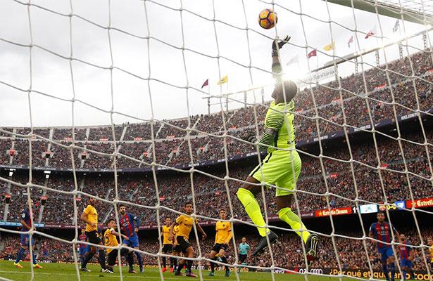 El Barça extraña a Messi y no logra superar al Málaga