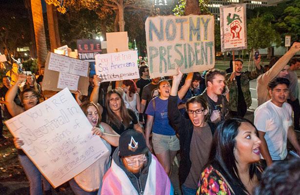 ¡No es broma! Llamadas a líneas de suicidio aumentan tras triunfo de Trump