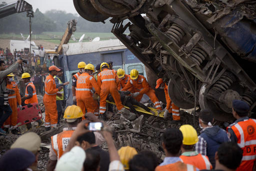 México lamenta víctimas tras accidente de tren en India: SRE