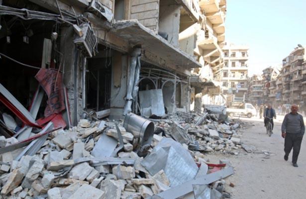 Cuatro hospitales de Alepo suspenden su actividad por los bombardeos
