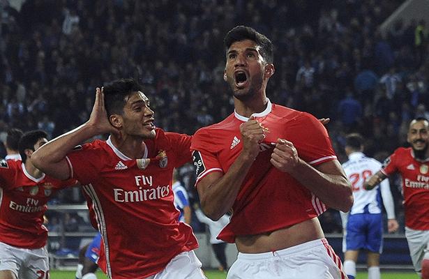 Regresa a la titularidad Raúl Jiménez en Benfica