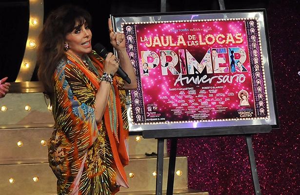 """Reconocen a Verónica Castro en """"La Jaula de las locas"""""""