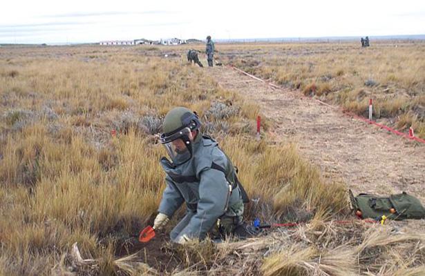 Chile presenta un avance del 80% en desminado de sus fronteras