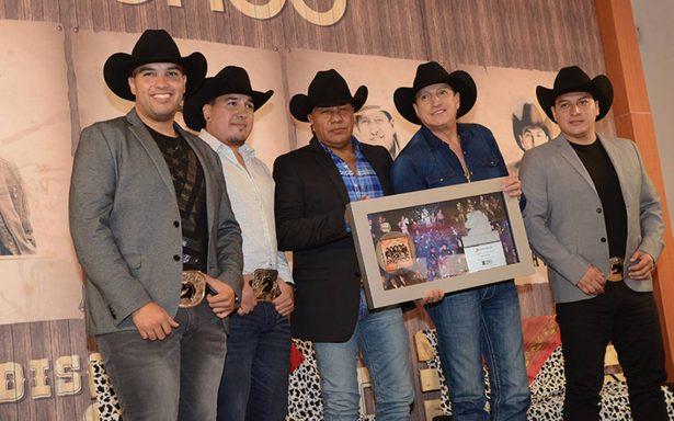 Lupe Esparza confirma bioserie del grupo Bronco