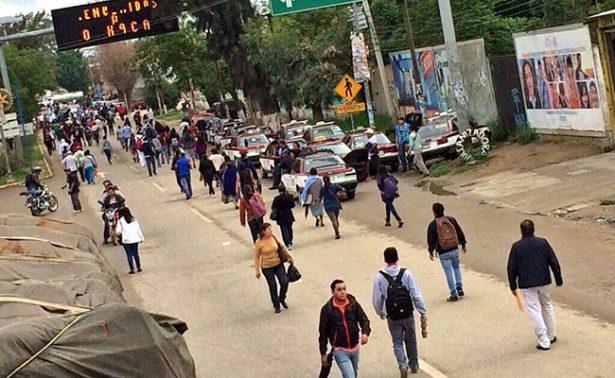 Sindicato de transportistas desquicia Oaxaca