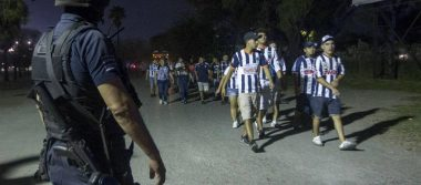 Identifican a participantes en pleito entre barras de Tigres y Rayados