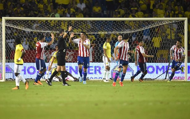 Paraguay revive y casi extingue el Mundial para Colombia