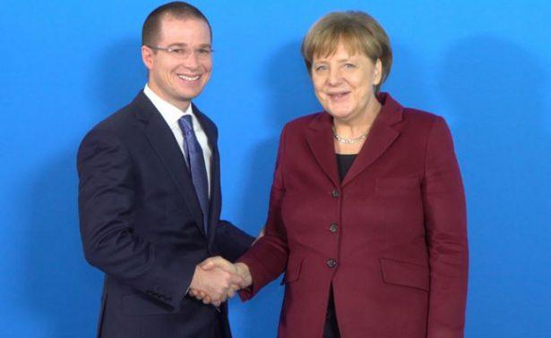 Ricardo Anaya se reúne con Angela Merkel; discuten política de Trump