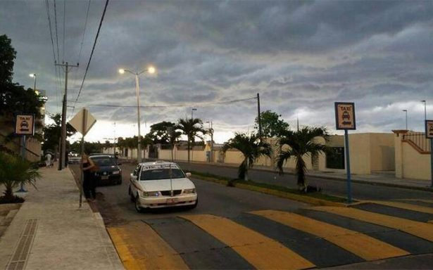 Comercios de Cozumel cierran ante llegada de tormenta Nate