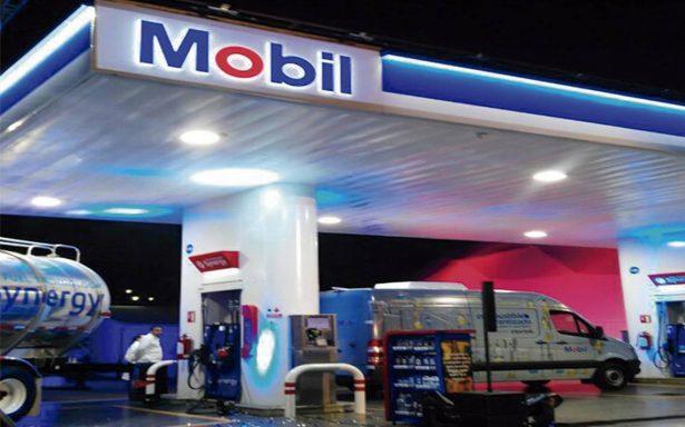 ¡Adiós Pemex! Mobil llega a despachar gasolina a Querétaro
