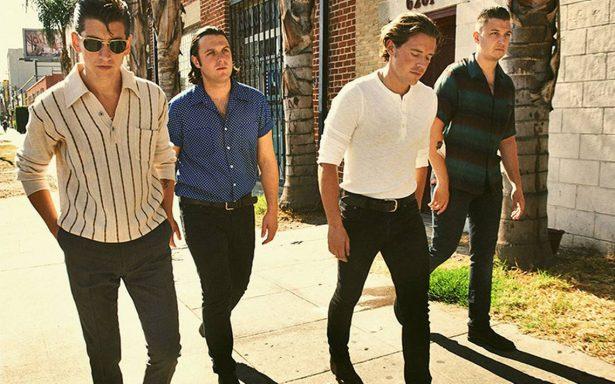 Vocalista de Arctic Monkeys asegura que su nuevo sencillo llegará pronto