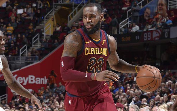 LeBron James conduce el triunfo de los Cavaliers de Cleveland