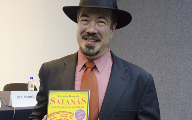 Salvador Hurtado presenta su libro Satanás