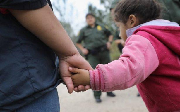 No llevaremos niños migrantes separados de sus padres, dicen American y United Airlines a Trump