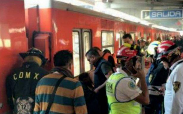 Muere hombre en vías del Metro Xola