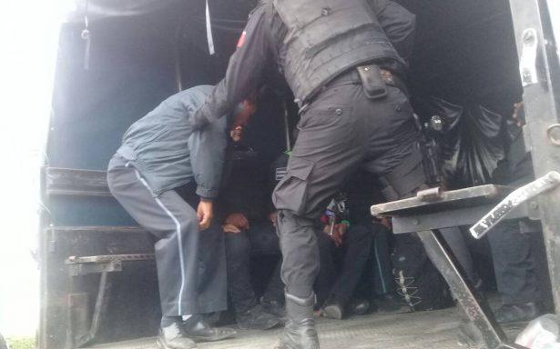 Intentan suicidarse tres policías de Texmelucan recluidos en Tepexi
