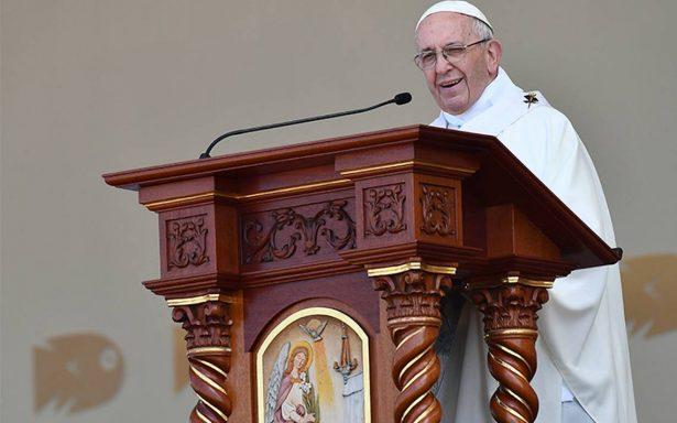 Papa pide solidaridad y fe para enfrentar efectos de desastres en Perú