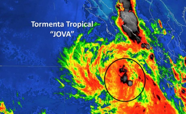 [Video] Se sale el mar en Los Cabos por tormenta tropical Jova