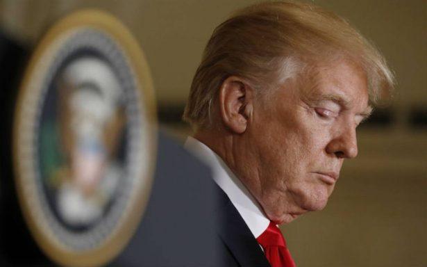 Apoyo a gestión de Trump cae a su punto más bajo, según sondeo