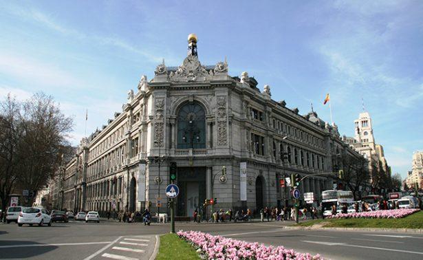 Abren investigación contra exgobernador de Banco de España por corrupción
