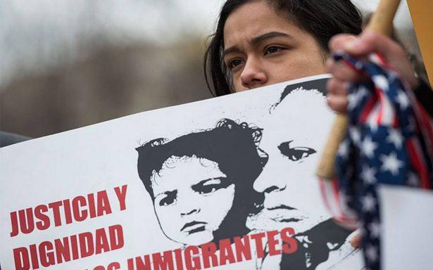 EU cancela protección migratoria a salvadoreños y más de 250 mil tendrán que irse