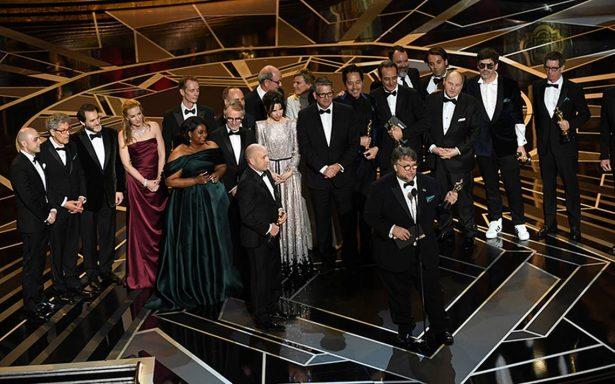 Guillermo del Toro se lleva el Oscar a Mejor Director y Mejor Película