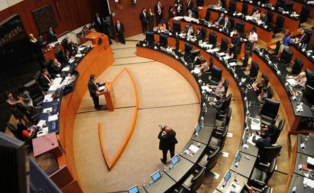 Desaparecer a 32 senadores, la propuesta en 14 iniciativas