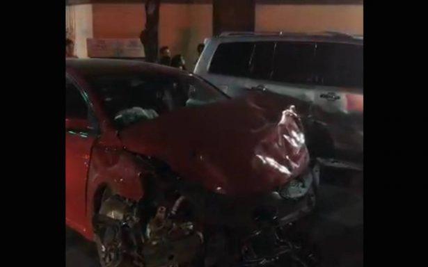 Cuerpos de emergencia atienden aparatoso choque en la San Rafael