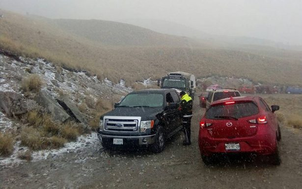 Nevado de Toluca recibe el año nuevo con caída de aguanieve