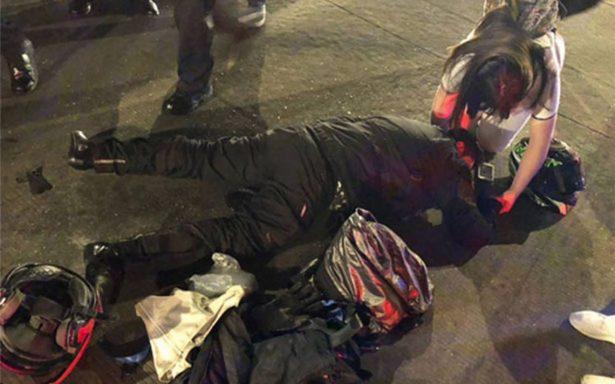 Por invadir carril del Metrobús, motociclista es arrollado