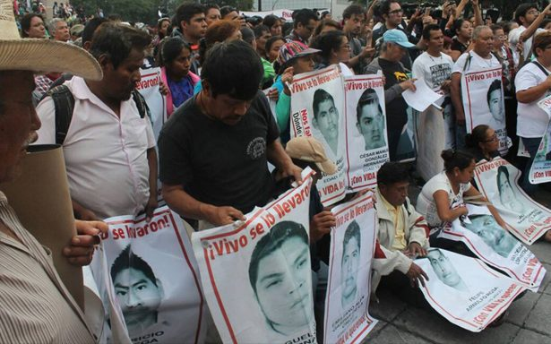 Guillermo del Toro y TV UNAM alzan la voz: realizan documental sobre caso Ayotzinapa