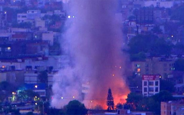 Sofocan incendio en Mercado Hidalgo de la colonia Doctores