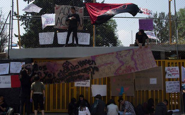 UNAM despide a profesor de Prepa 5 acusado de acoso