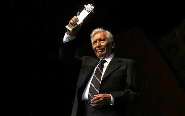 El actor José Carlos Ruiz recibió el Premio Mayahuel de Plata