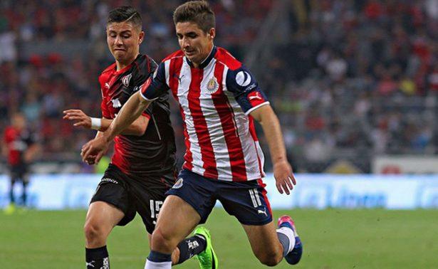 Chivas se lleva el clásico tapatío; vence 2-1 a Atlas