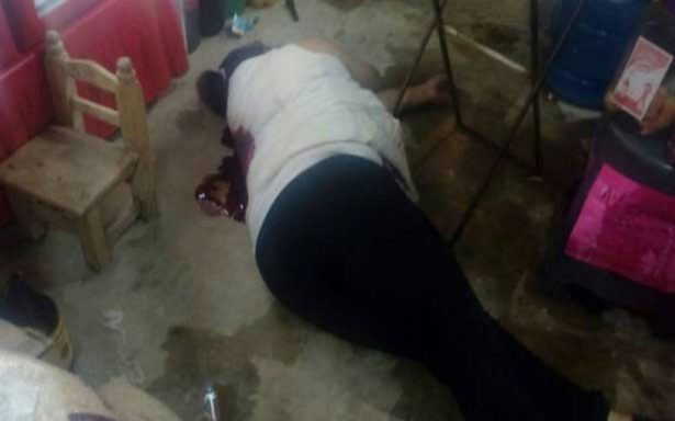 Asesinan a una mujer cuando bebía afuera de una tienda