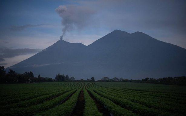 Volcanes de Fuego, Pacaya y Santiaguito de Guatemala registran explosiones