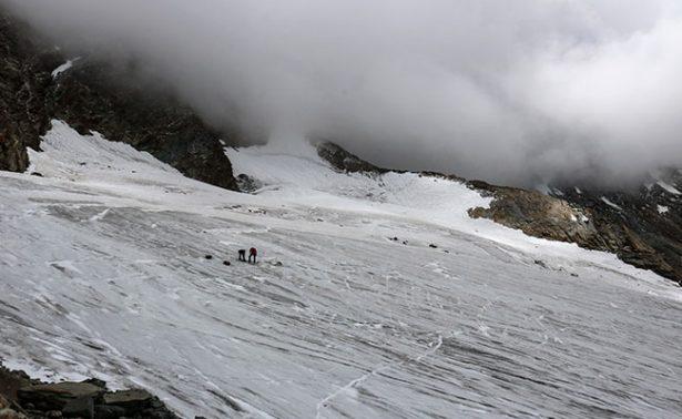 Hallan en glaciar a desaparecido hace 30 años en los Alpes suizos