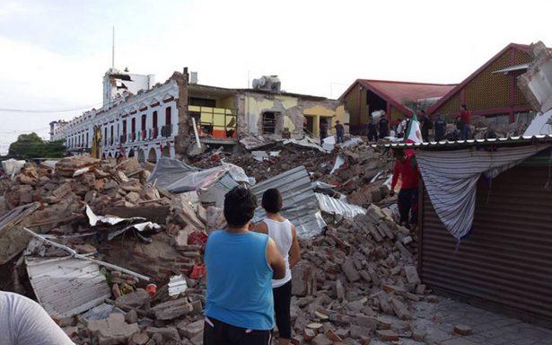 Bansefi entregan tarjetas de apoyo a víctimas por sismo en Juchitán
