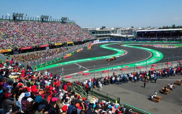 Niños sustituyen a edecanes de parrilla en la Fórmula 1