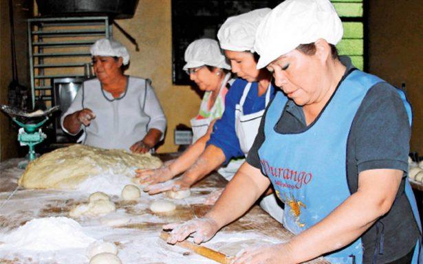 Tahoneros preservan arte del pan de fiesta