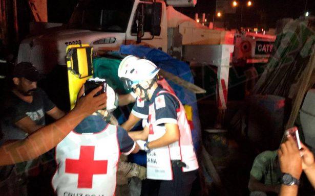 Diez albañiles quedaron sepultados al colapsar obra