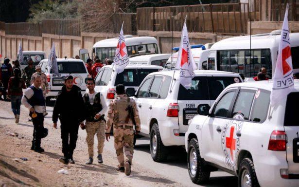 Entra ayuda a Guta Oriental, pero Siria bloquea suministros médicos y prosigue ataque