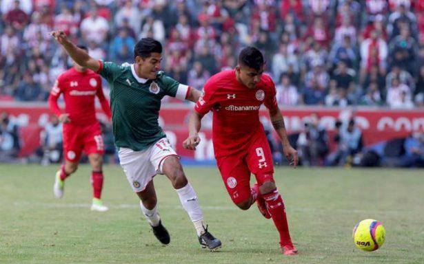 Chivas sufre para rescatar punto de cancha de Toluca