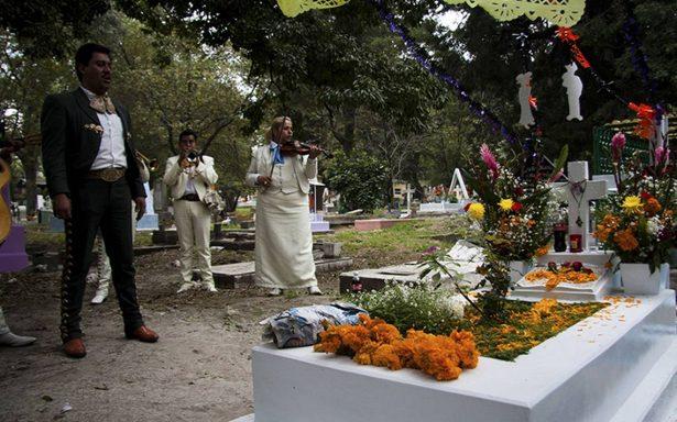Flor de cempasúchitl dará vida a las tumbas este Día de Muertos
